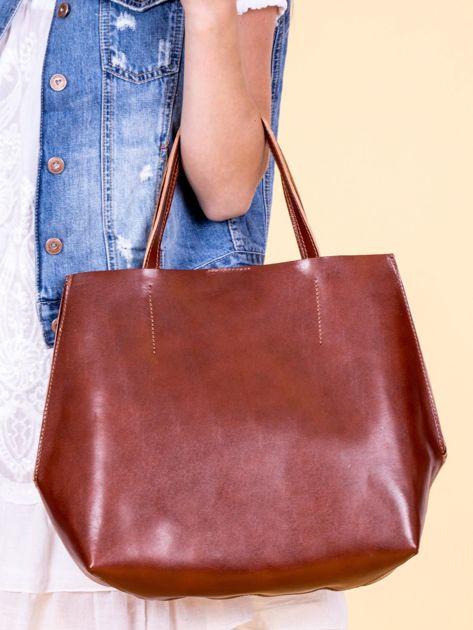 Brązowa skórzana torba damska z ozdobnymi okuciami                              zdj.                              3