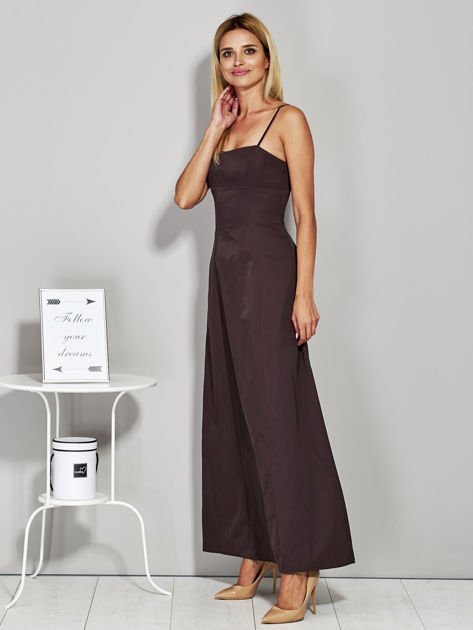 Brązowa sukienka wieczorowa z drapowaniem                              zdj.                              3