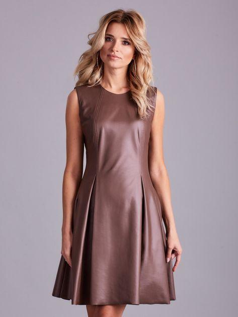 Brązowa sukienka z ekoskóry                              zdj.                              1