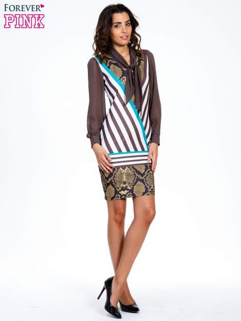 Brązowa sukienka z  wiązaniem przy dekolcie i nadrukiem skóry węża                                  zdj.                                  2