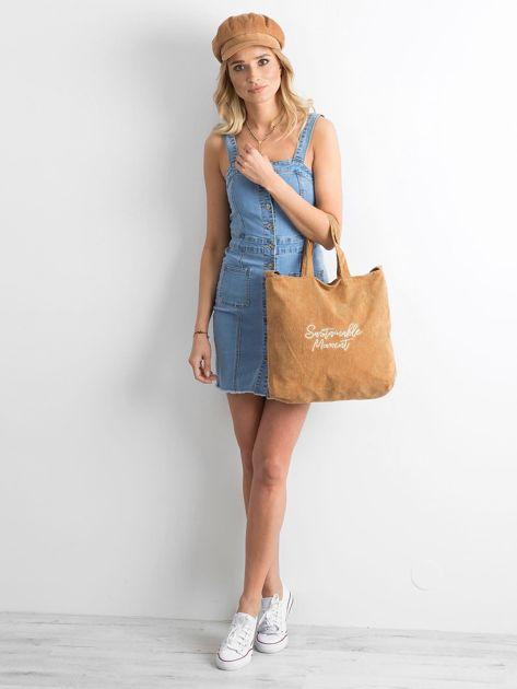 Brązowa sztruksowa torba z napisem                              zdj.                              4