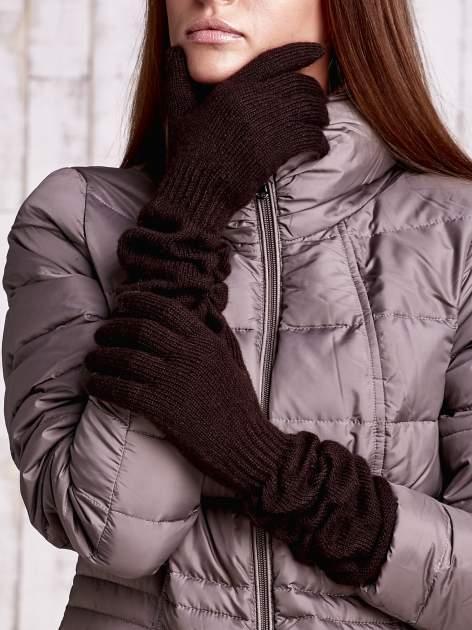 Brązowe długie rękawiczki z marszczonym ściągaczem                                   zdj.                                  1