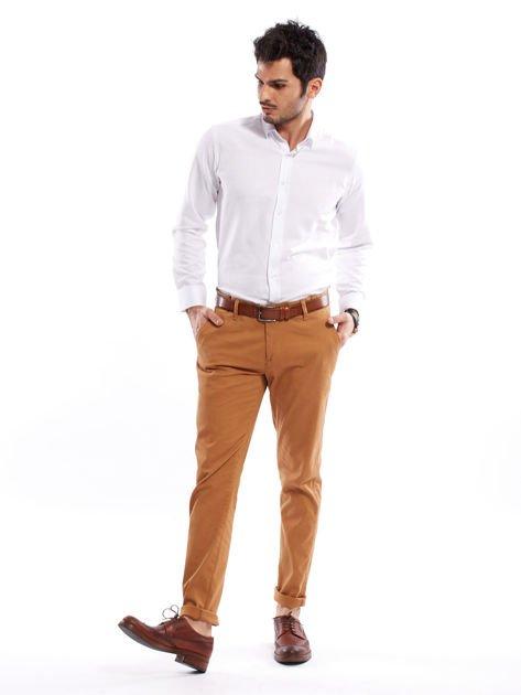 Brązowe spodnie męskie chinosy o prostym kroju                                  zdj.                                  4
