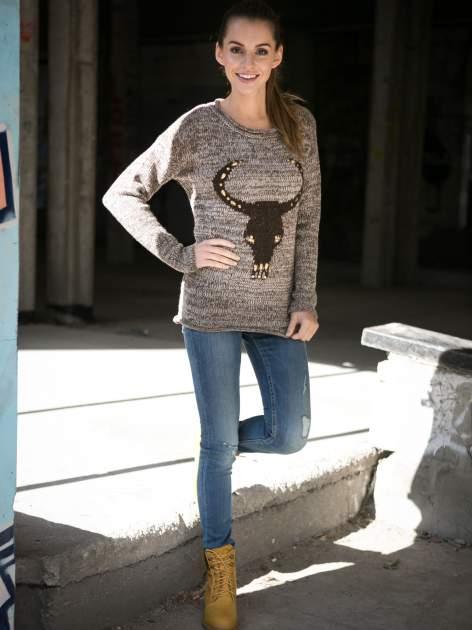 Brązowy melanżowy sweter z nadrukiem kozy                                  zdj.                                  7