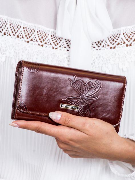 Brązowy portfel damski w motyle                              zdj.                              1