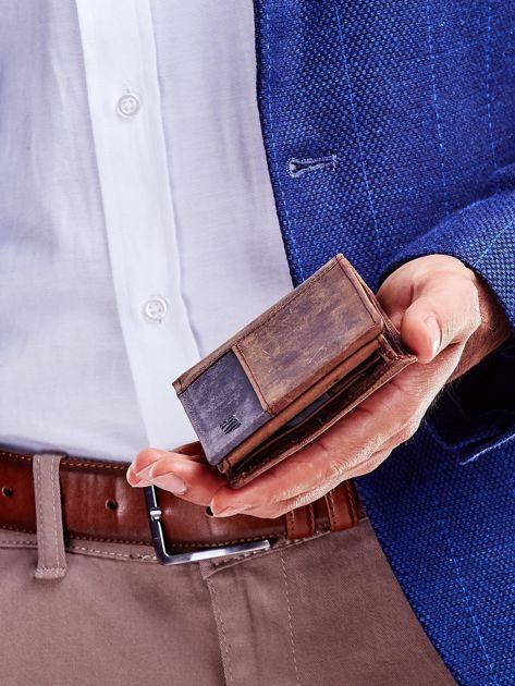 Brązowy portfel dla mężczyzny z geometrycznymi przeszyciami                              zdj.                              4