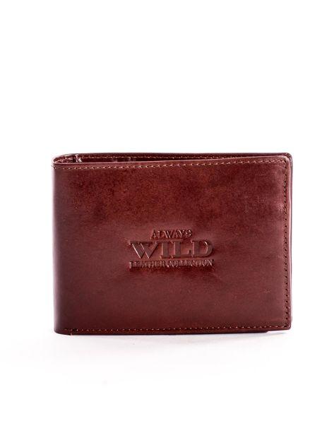 Brązowy portfel dla mężczyzny z tłocznym napisem