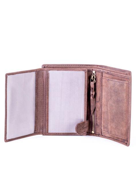 Brązowy portfel skórzany z tłoczeniem i przeszyciami                              zdj.                              5