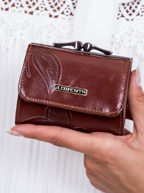 Brązowy portfel w tłoczone motyle                               zdj.                              1