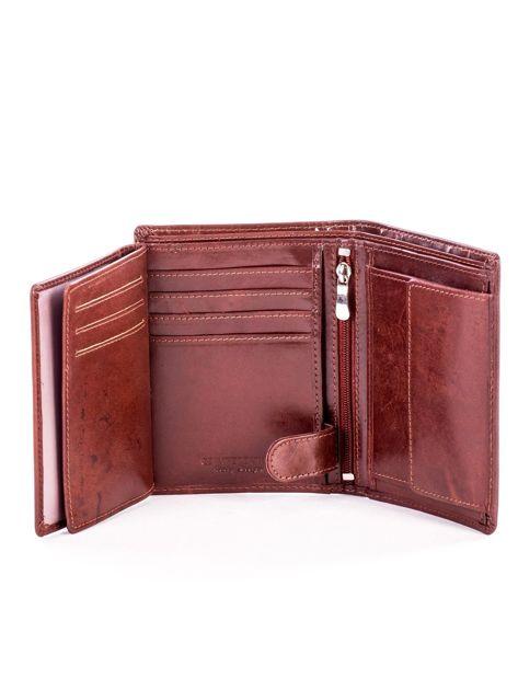 Brązowy portfel ze skóry naturalnej z napisem                              zdj.                              6