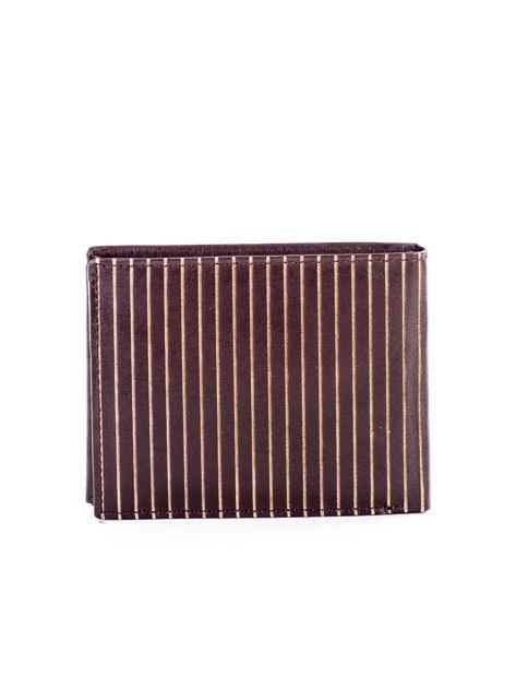 Brązowy skórzany portfel męski w tłoczone paski                               zdj.                              2