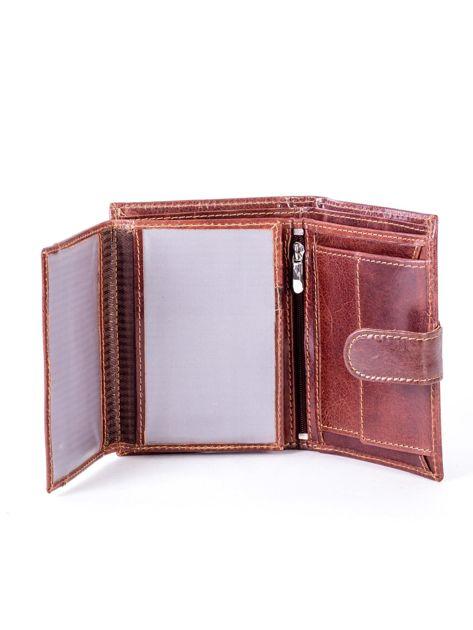 Brązowy skórzany portfel z tłoczeniem i zapięciem na zatrzask                              zdj.                              5