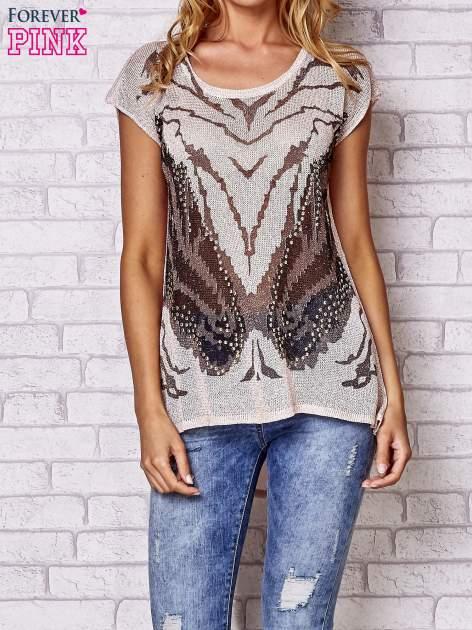 Brzoskwiniowy t-shirt z nadrukiem motyla