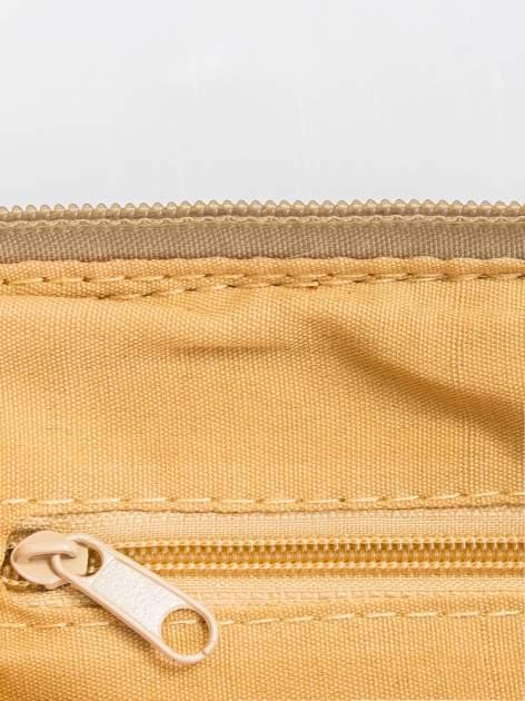 Camelowa kopertówka z dżetami motyw wąsów                                  zdj.                                  6