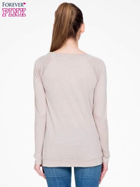 Ciemnobeżowa bawełniana bluzka z rękawami typu reglan                                  zdj.                                  4