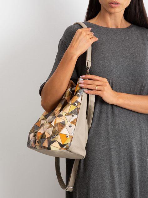 Ciemnobeżowa torba z motywem geometrycznym                              zdj.                              5