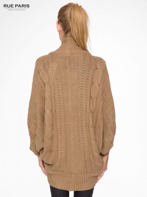 Ciemnobeżowy dziergany sweter typu otwarty kardigan                                  zdj.                                  4
