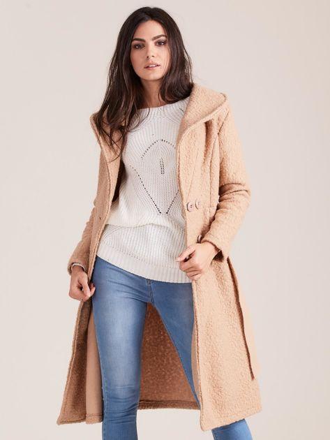 Ciemnobeżowy płaszcz boucle z paskiem                               zdj.                              5