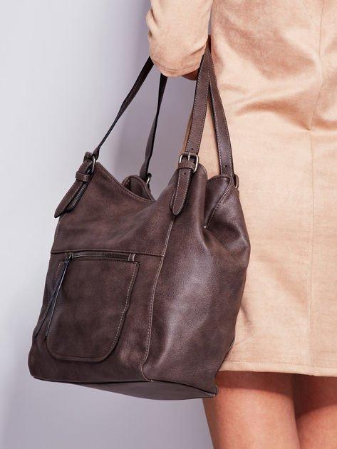 Ciemnobrązowa miękka torba z kieszeniami                              zdj.                              5