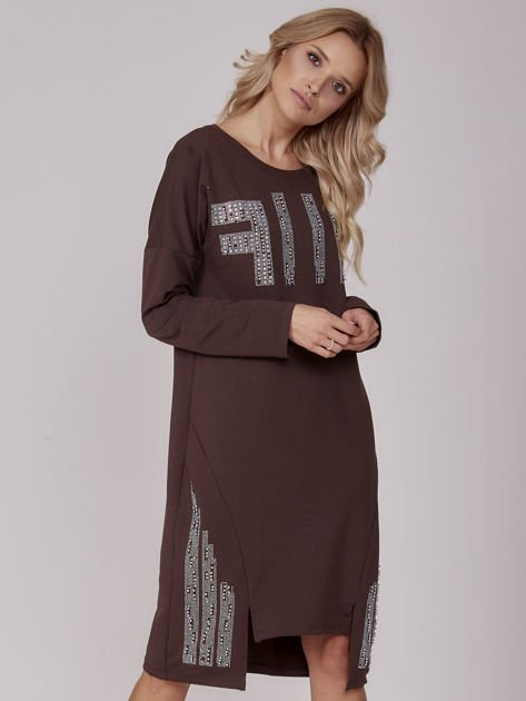 Ciemnobrązowa sukienka z perełkami i dżetami                              zdj.                              1