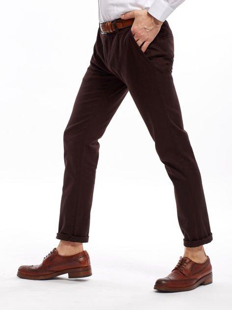 Ciemnobrązowe spodnie męskie chinos                                  zdj.                                  10