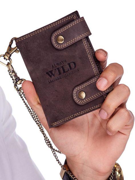 Ciemnobrązowy skórzany portfel męski z łańcuszkiem                              zdj.                              1