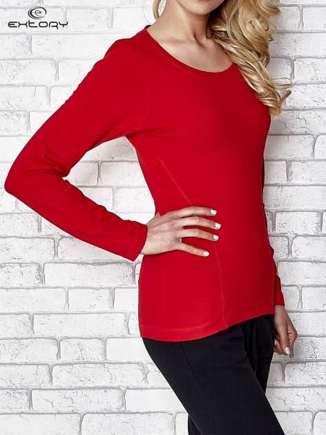 Ciemnoczerwona bluzka sportowa z dekoltem U                                  zdj.                                  3