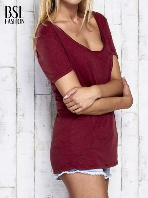 Ciemnoczerwony melanżowy t-shirt z okrągłym dekoltem                                  zdj.                                  5