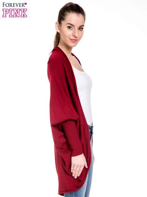 Ciemnoczerwony sweter narzutka z nietoperzowymi rękawami                                  zdj.                                  5