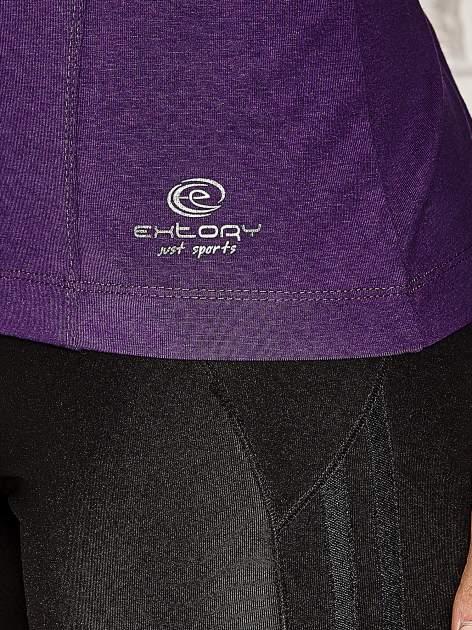 Ciemnofioletowa bluzka sportowa z dekoltem U                                  zdj.                                  4