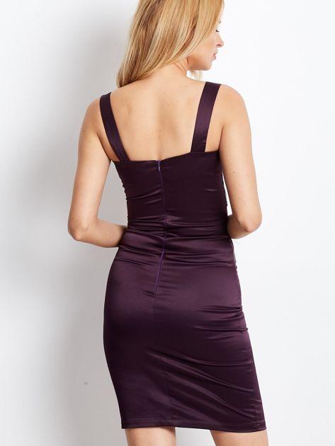 Ciemnofioletowa sukienka z cekinowymi wstawkami                              zdj.                              3