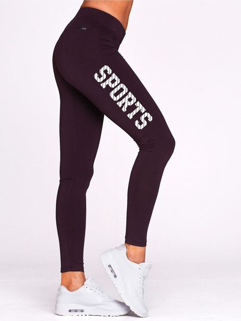 Ciemnofioletowe legginsy do fitnessu ze sportowym nadrukiem                                  zdj.                                  1