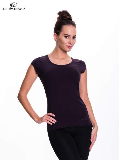 Ciemnofioletowy damski t-shirt sportowy basic                                  zdj.                                  1