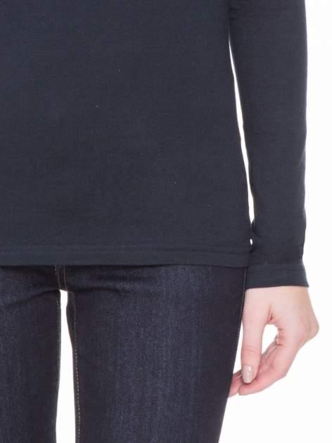 Ciemnogranatowa gładka bluzka z reglanowymi rękawami                                  zdj.                                  6