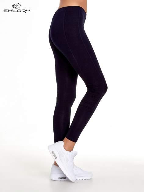 Ciemnogranatowe legginsy sportowe z drapowaniem                                  zdj.                                  2
