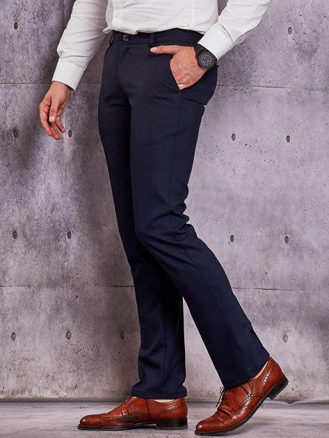 Ciemnogranatowe spodnie męskie w delikatny wzór                              zdj.                              3