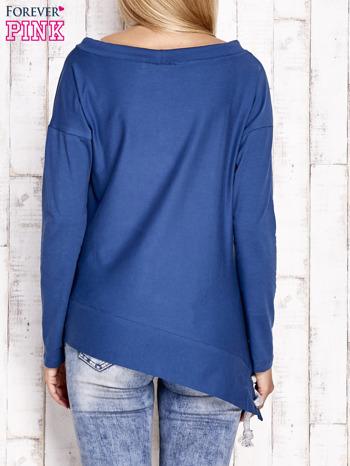 Ciemnoniebieska asymetryczna bluza z troczkami                                  zdj.                                  2