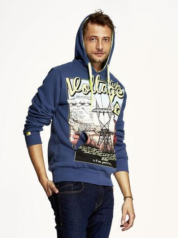 Ciemnoniebieska bluza męska z industrialnym nadrukiem                                  zdj.                                  4