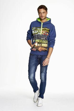Ciemnoniebieska bluza męska z nowojorskim nadrukiem                                   zdj.                                  4