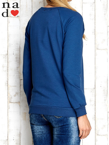 Ciemnoniebieska bluza z cyfrą 27                                  zdj.                                  4