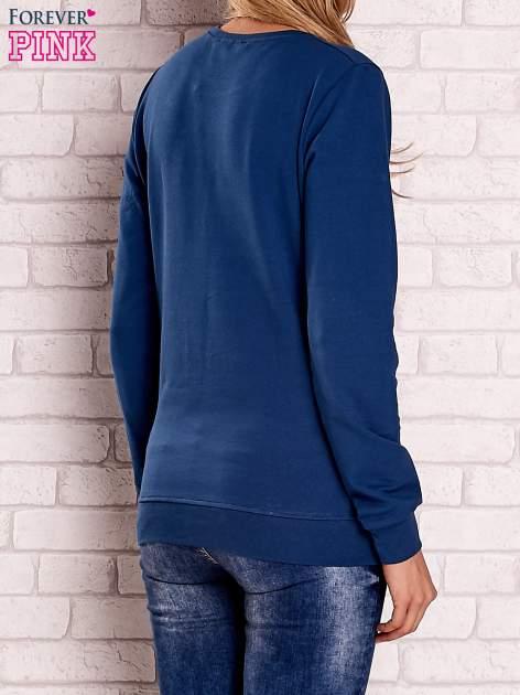 Ciemnoniebieska bluza z motywem paryskim                                  zdj.                                  4