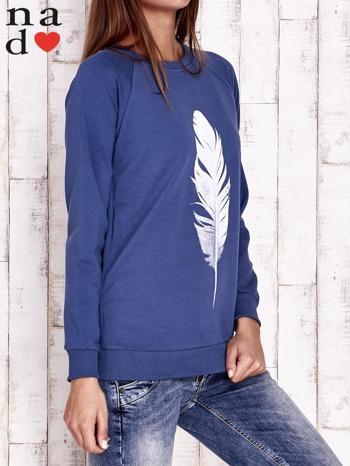 Ciemnoniebieska bluza z piórkiem                                  zdj.                                  2