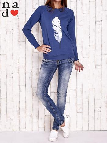Ciemnoniebieska bluza z piórkiem                                  zdj.                                  3