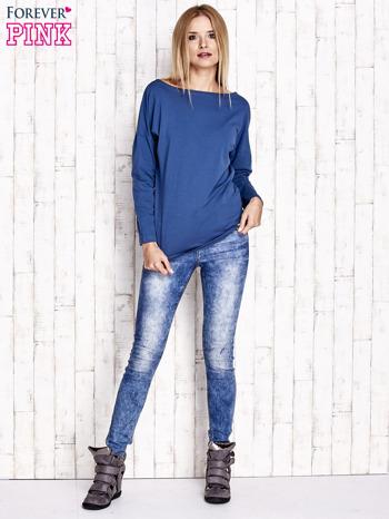 Ciemnoniebieska bluzka z wycięciem na plecach i kokardą                                  zdj.                                  4