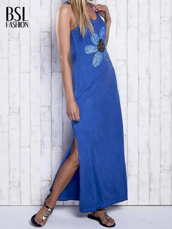 Ciemnoniebieska dekatyzowana sukienka maxi z cekinowym kwiatem                                  zdj.                                  3