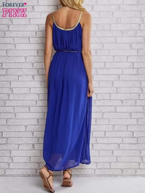 Ciemnoniebieska grecka sukienka maxi ze złotym paskiem                                  zdj.                                  4