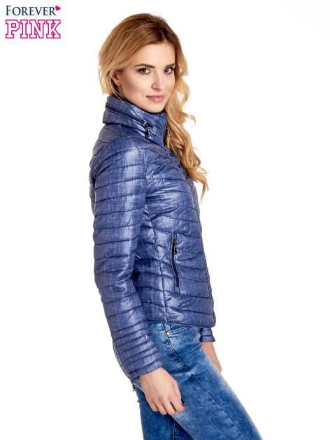 Ciemnoniebieska lekka kurtka puchowa z suwakami przy rękawach                                  zdj.                                  3
