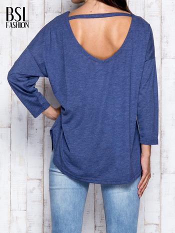 Ciemnoniebieska melanżowa bluzka z dekoltem na plecach                                  zdj.                                  5