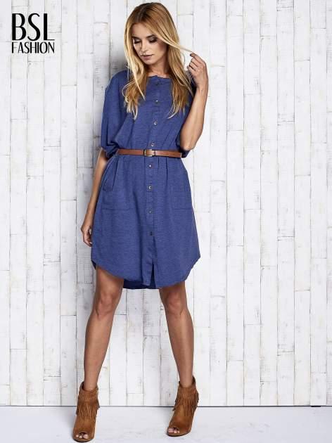 Ciemnoniebieska melanżowa sukienka oversize z guzikami                                  zdj.                                  2