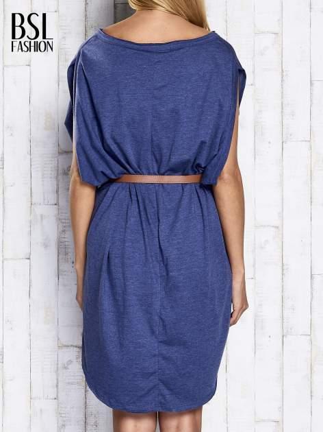Ciemnoniebieska melanżowa sukienka oversize z guzikami                                  zdj.                                  5